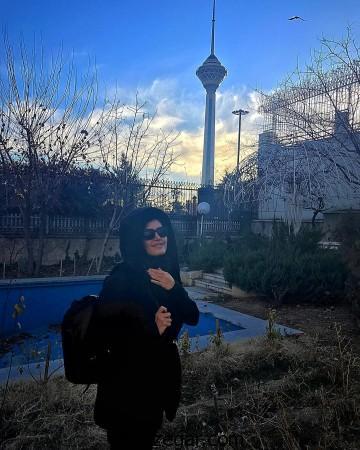 الناز شاکردوست,الناز شاکردوست در کنار برج میلاد تهران